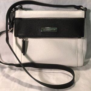 Liz Claiborne White & Black Crossbody Bag. EUC